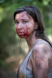 the-walking-dead-episode-602-enid-nacon-breckinridge-935