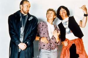 BILL AND TED'S EXCELLENT ADVENTURE, from left: George Carlin, Alex Winter, Keanu Reeves, 1989, © Ori